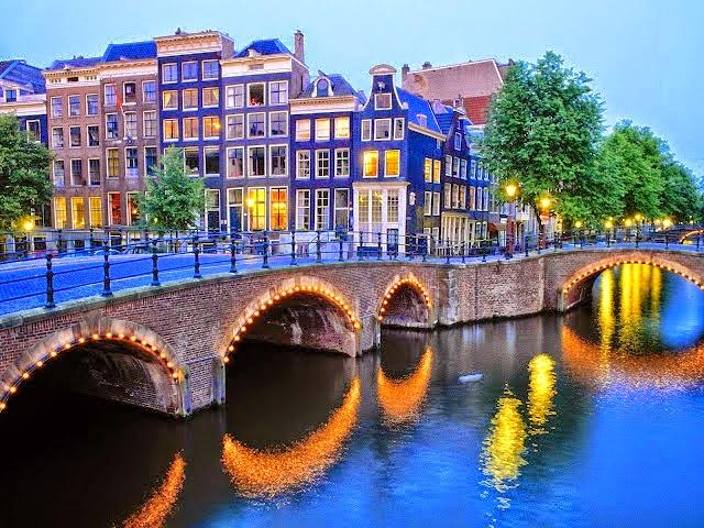 امستردام هولندا المسافرون العرب الاصلي