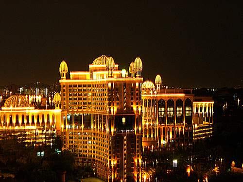 arab_travelers_malaysia_1382803458_486.jpg