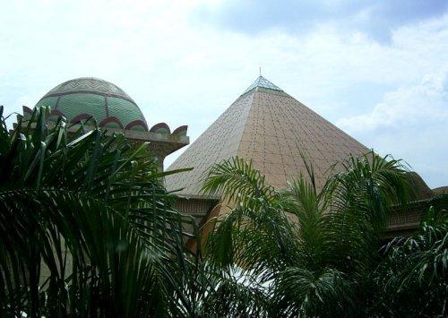 arab_travelers_malaysia_1382803555_233.jpg
