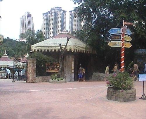 arab_travelers_malaysia_1382803759_618.jpg