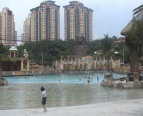 arab_travelers_malaysia_1382803837_797.jpg