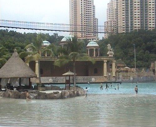 arab_travelers_malaysia_1382803841_478.jpg