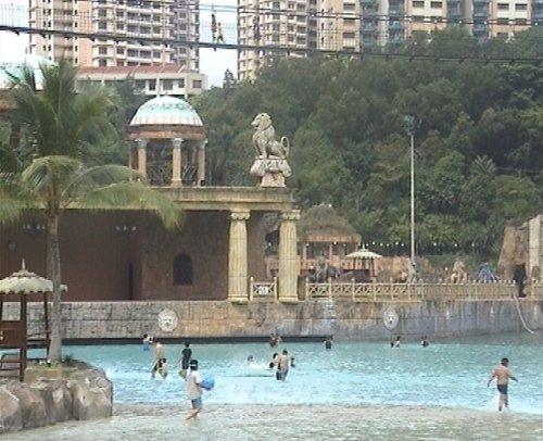 arab_travelers_malaysia_1382803842_226.jpg
