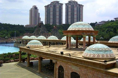 arab_travelers_malaysia_1382803865_204.jpg