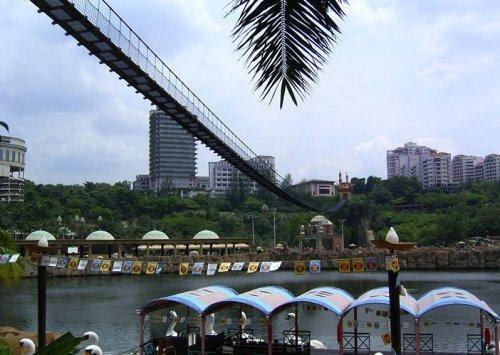 arab_travelers_malaysia_1382803926_475.jpg