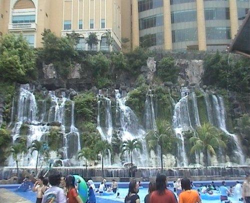 arab_travelers_malaysia_1382804013_484.jpg