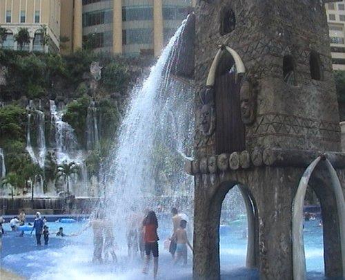 arab_travelers_malaysia_1382804030_334.jpg