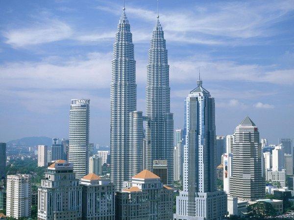 arab_travelers_malaysia_1385687280_359.jpg