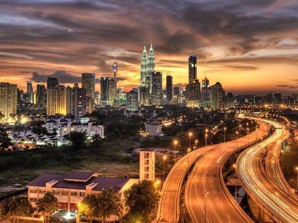 arab_travelers_malaysia_1385687247_413.jpg