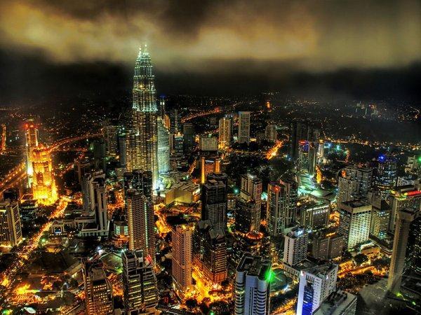 arab_travelers_malaysia_1385687250_180.jpg