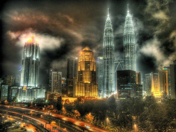 arab_travelers_malaysia_1385687243_979.jpg