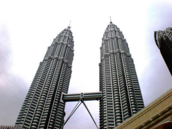 arab_travelers_malaysia_1385687269_717.jpg