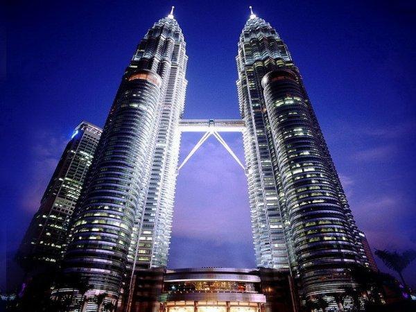 arab_travelers_malaysia_1385687253_926.jpg
