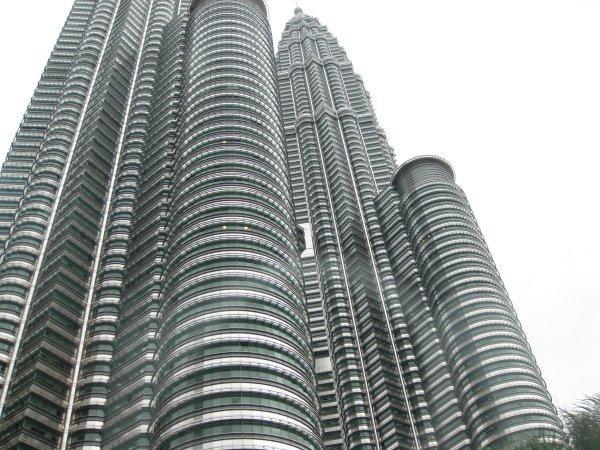 arab_travelers_malaysia_1385687270_807.jpg