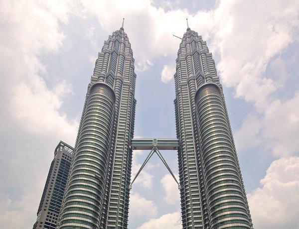arab_travelers_malaysia_1385687275_122.jpg