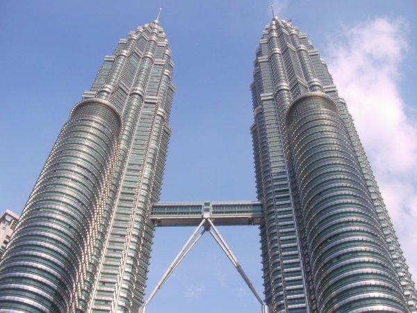 arab_travelers_malaysia_1385687280_532.jpg