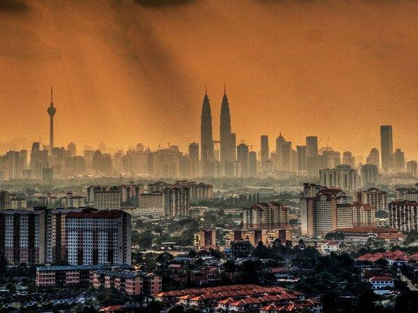 arab_travelers_malaysia_1385687254_834.jpg