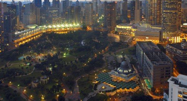 arab_travelers_malaysia_1385687263_713.jpg