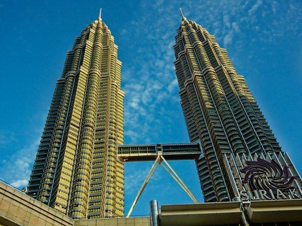 arab_travelers_malaysia_1385687244_338.jpg