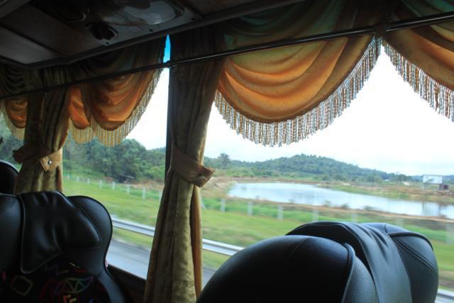 arab_travelers_malaysia_1386823787_577.jpg