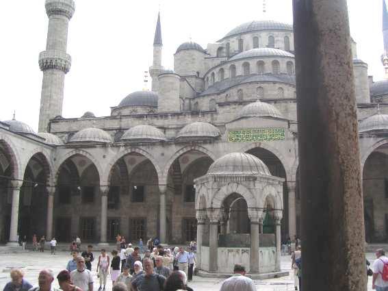 Istanbul_Blaue_Moschee.JPG