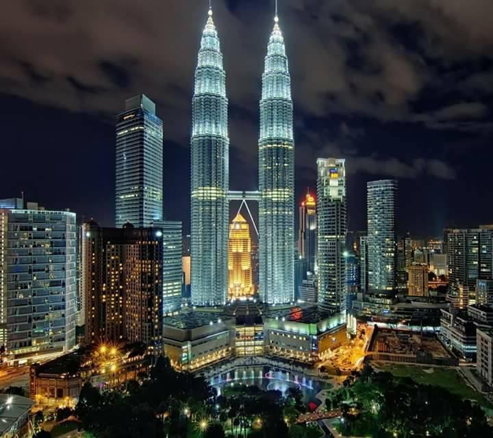 357145 المسافرون العرب السياحة في ماليزيا واندونيسيا