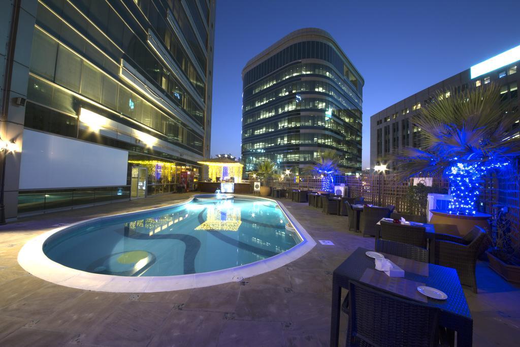 381405 المسافرون العرب أفضل 5 فنادق في دبي تشمل كامل الوجبات مجانا