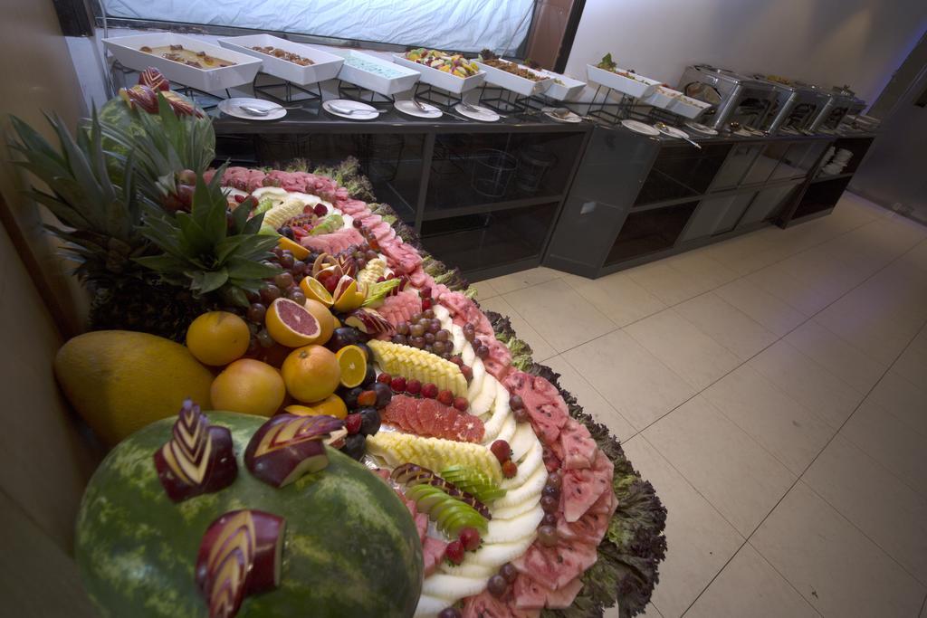 381406 المسافرون العرب أفضل 5 فنادق في دبي تشمل كامل الوجبات مجانا