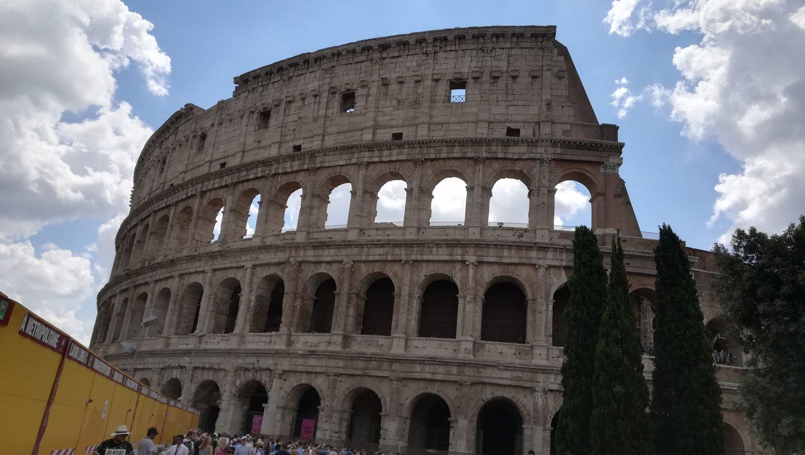 386197 تنسيق بربرنامج سياحي إلى روما فلورنس وفينيسيا المسافرون العرب