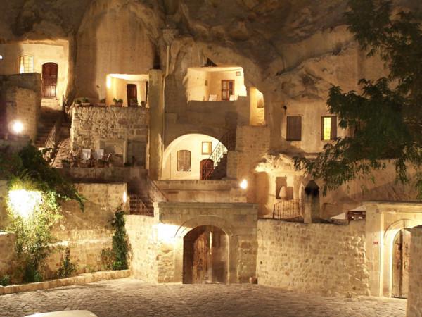 Cave-Hotel-Turkey-1-600x450.jpg