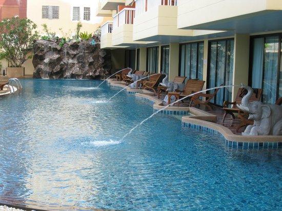 palmyra-patong-resort.jpg