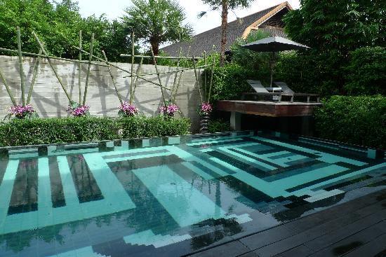 private-pool-in-bensley.jpg