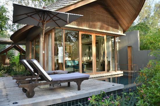 renaissance-phuket-resort.jpg