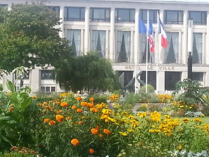 526169 المسافرون العرب تقرير خفيف عن مناطق فرنسا