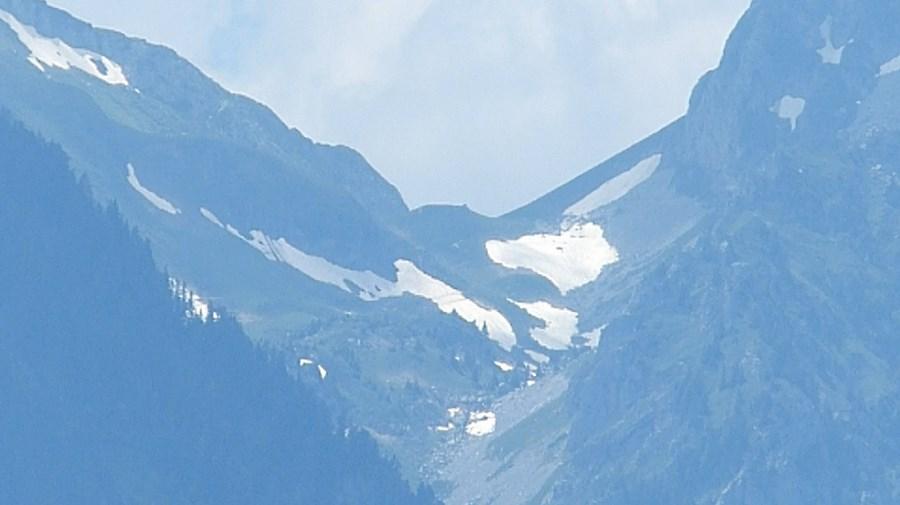 رحلة شيقة الى جبال الالب ونهر السي-539537