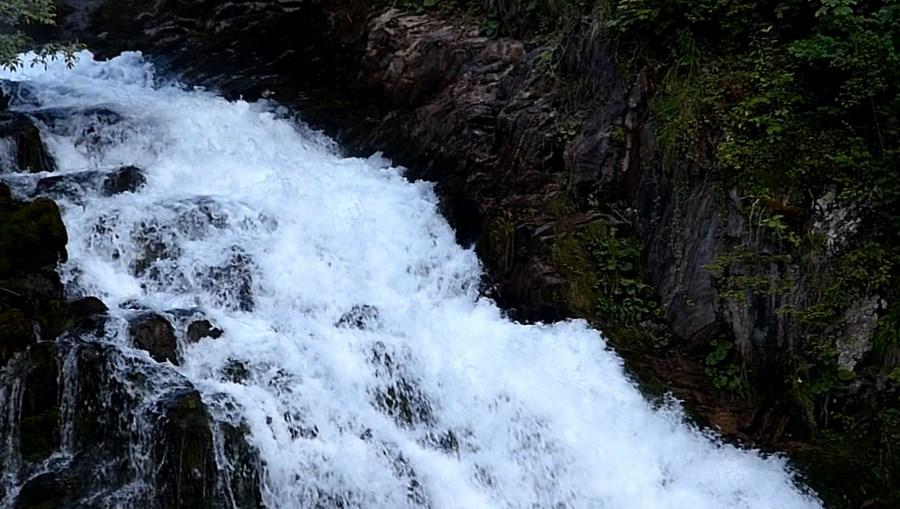 رحلة شيقة الى جبال الالب ونهر السي-539770