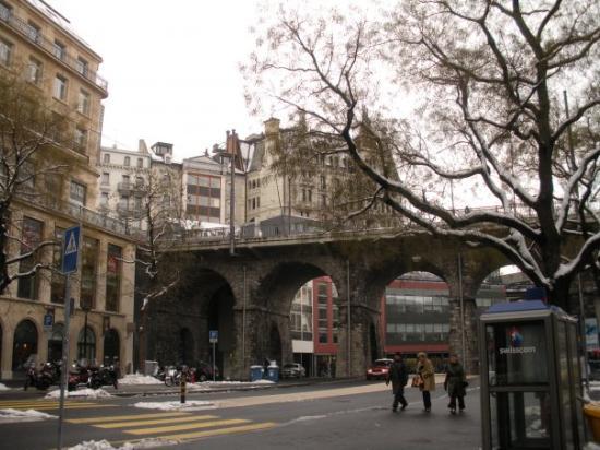 rue-centrale-the-grand.jpg