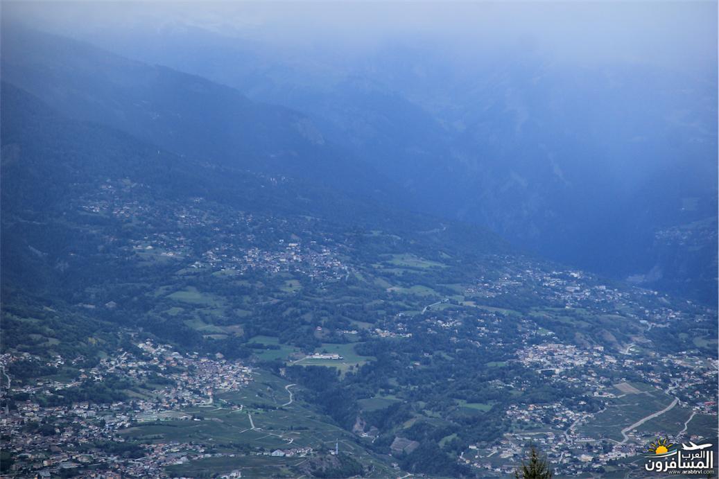 سويسرا بيوت ملوّنة و جداريات-544140