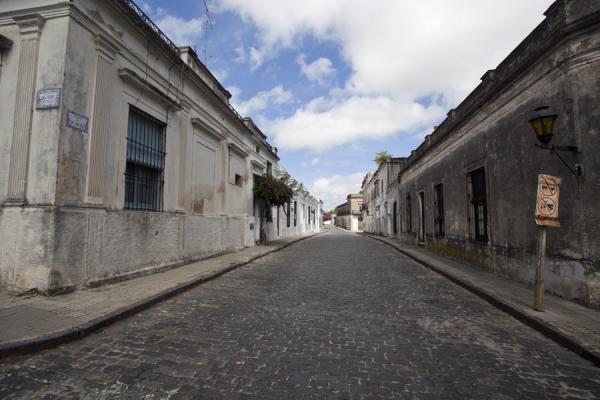 مدينة أوروغوانية جميلة مليئة بالمباني الاستعمارية القديمة-602156