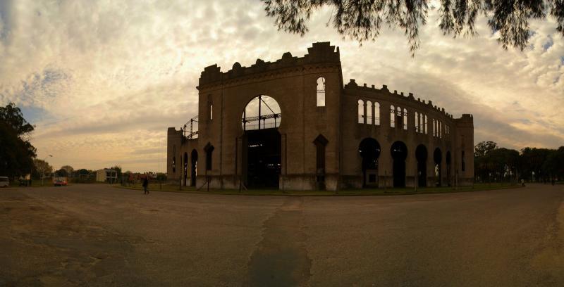مدينة أوروغوانية جميلة مليئة بالمباني الاستعمارية القديمة-602165