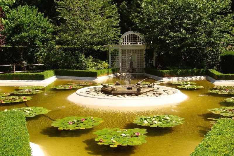 حدائق بوتشارت الملونة في كندا-604263