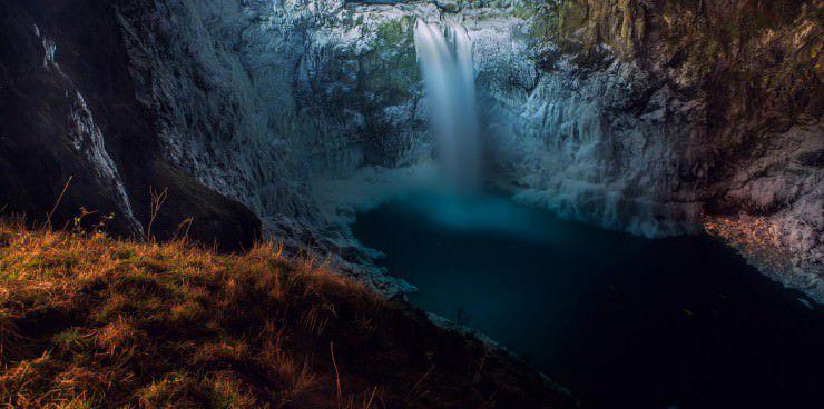 Snoqualmie-Falls-Seattle-Washington-USA.jpg