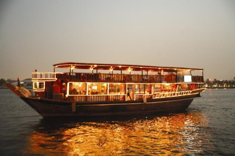 663834 المسافرون العرب مدينة دبي بتنوع الأنشطة السياحية