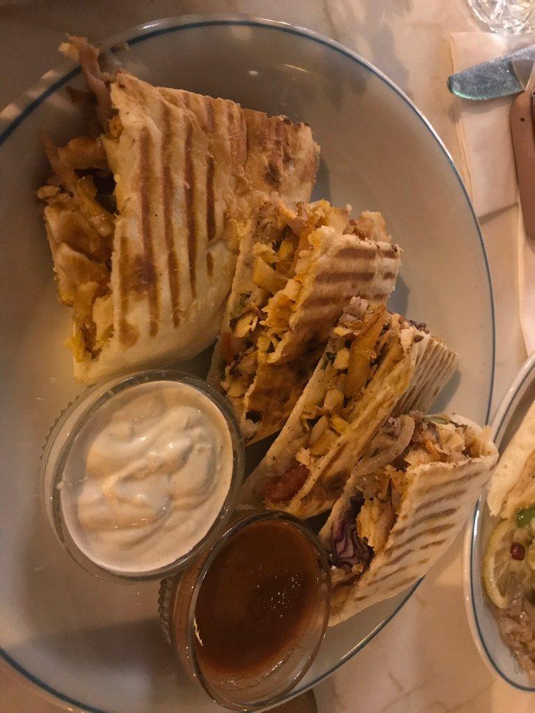 670019 المسافرون العرب مطعم بازار