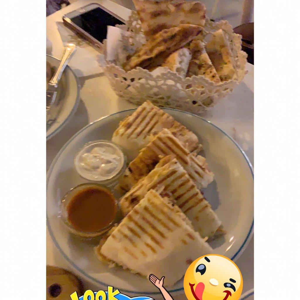 670022 المسافرون العرب مطعم بازار