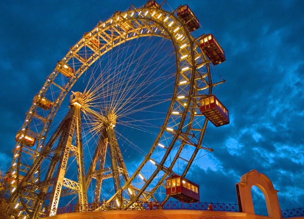 Giant-Ferris-wheel-.jpg