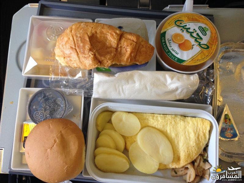 687665 المسافرون العرب تناول هذه المأكولات والمشروبات أثناء رحلات الجو لمكافحة التعب والإرهاق
