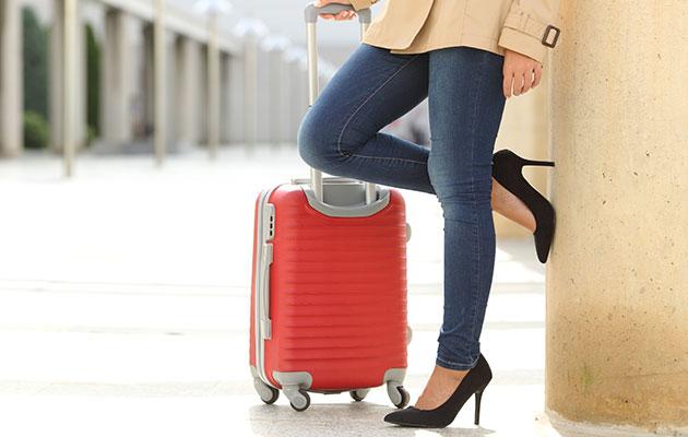 688146 المسافرون العرب احذر أن ترتدي هذه الأشياء على الطائرة