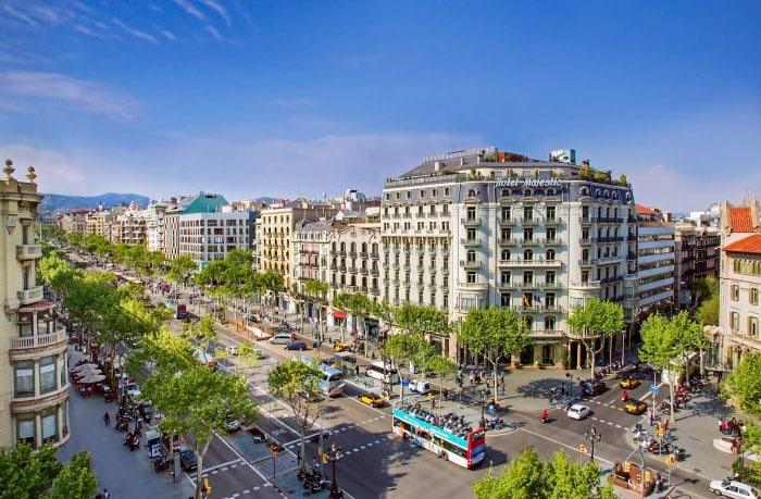 704045 المسافرون العرب مقتطفات سعودي عن السياحة في برشلونة .