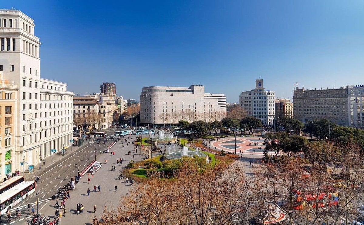 704053 المسافرون العرب مقتطفات سعودي عن السياحة في برشلونة .